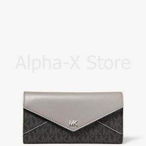 NWT Michael Kors Large Logo and Leather Envelope W
